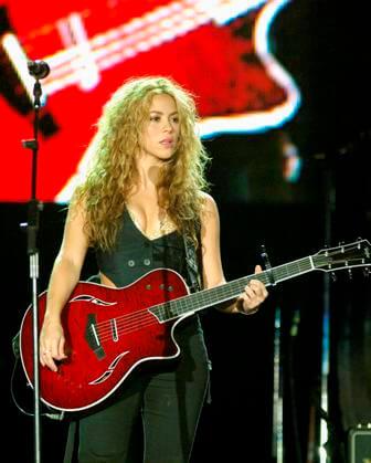 Shakira2 (2)