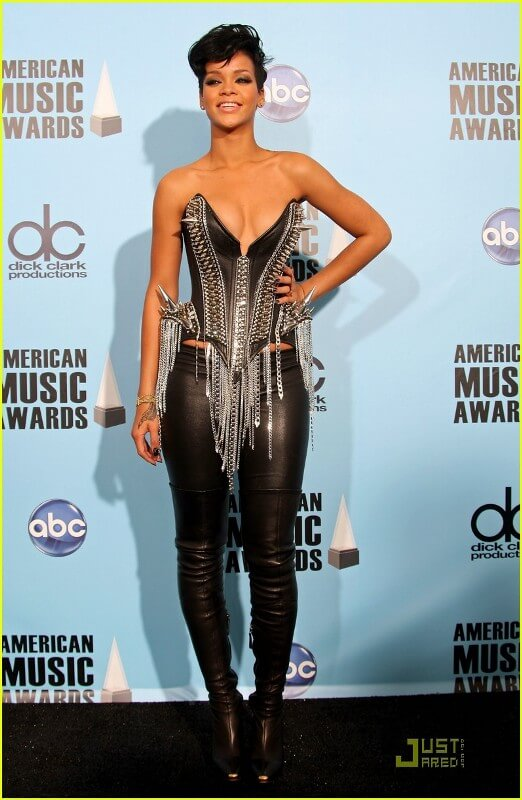 Poses in the press room during the 2008 American Music Awards held at Nokia Theatre L.A. / via