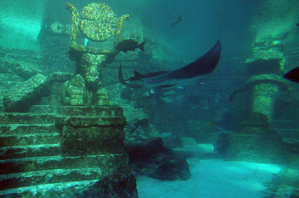 mysterious underwater discoveries lost city