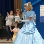 Kindergarteners Learnt Sign Language To Welcome A Deaf Student 1