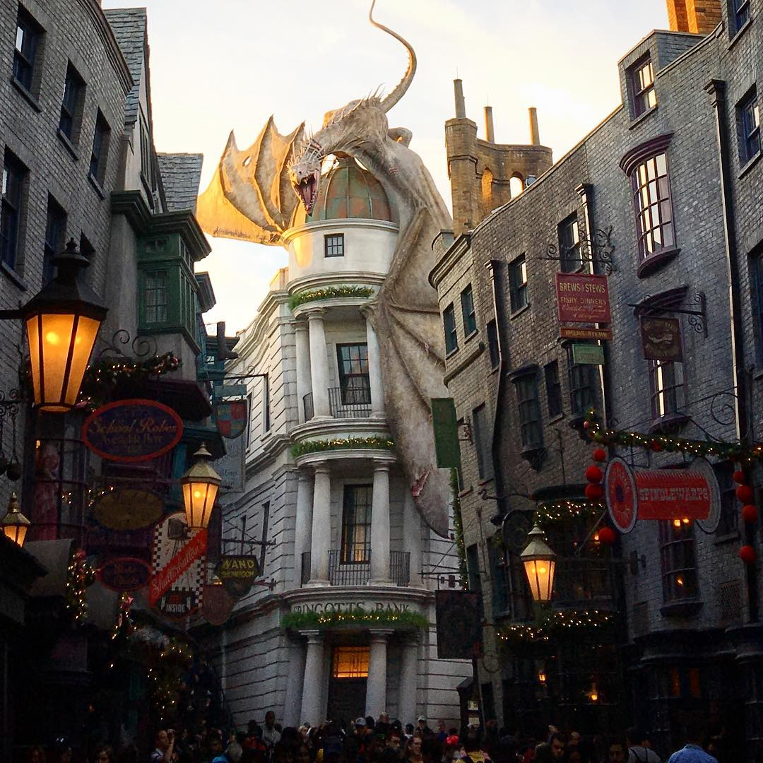 Leaky cauldron diagon Alley - 5 Restaurants You Will Love If You're A Harry Potter Fan