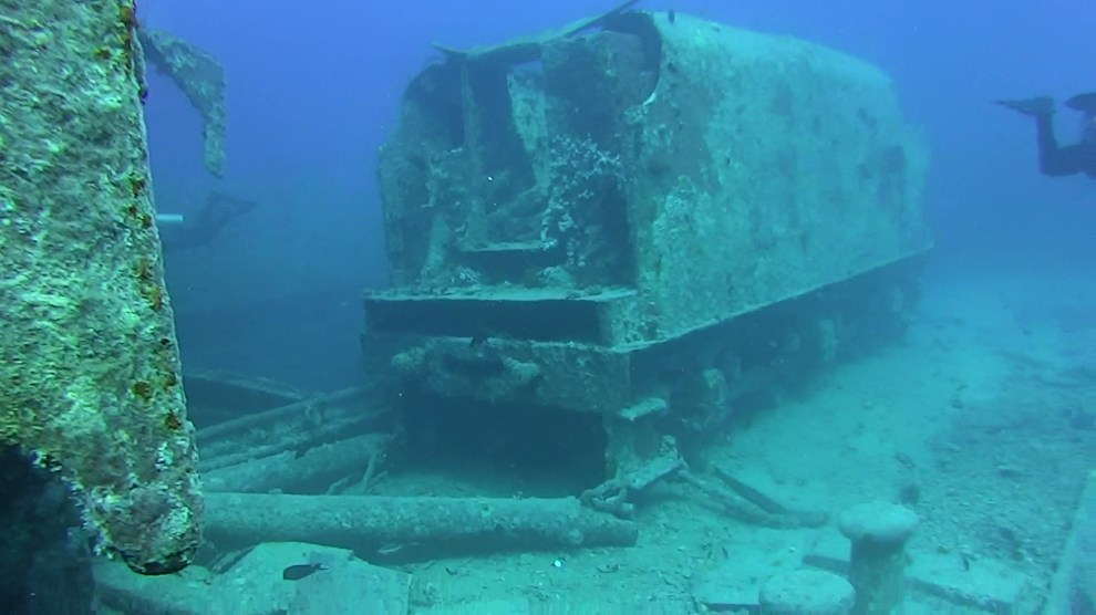 Locomotive underwater - These mysterious underwater discoveries will leave you shocked