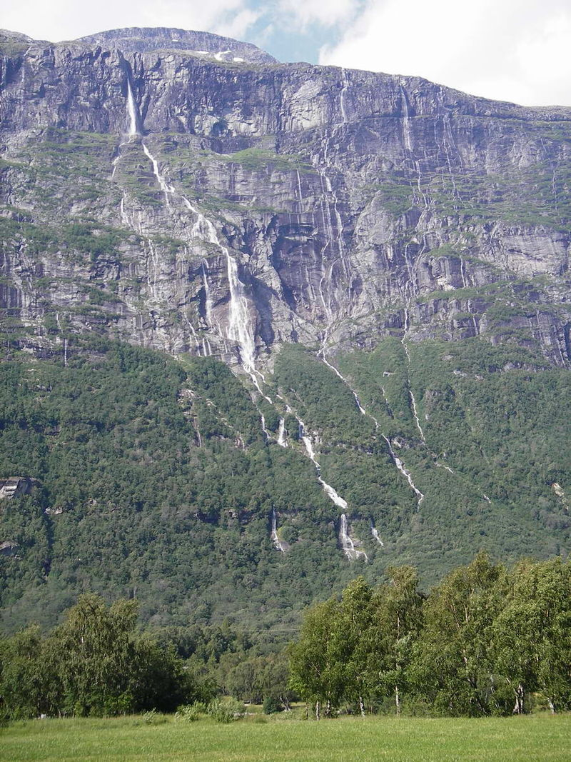 Vinnufossen Sunndal Norway - Find out which is the tallest waterfall in the world