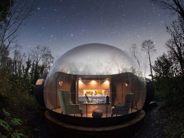 finn lough bubble ireland 364x273 - Did you know that there are places in this world where you can sleep in a bubble?