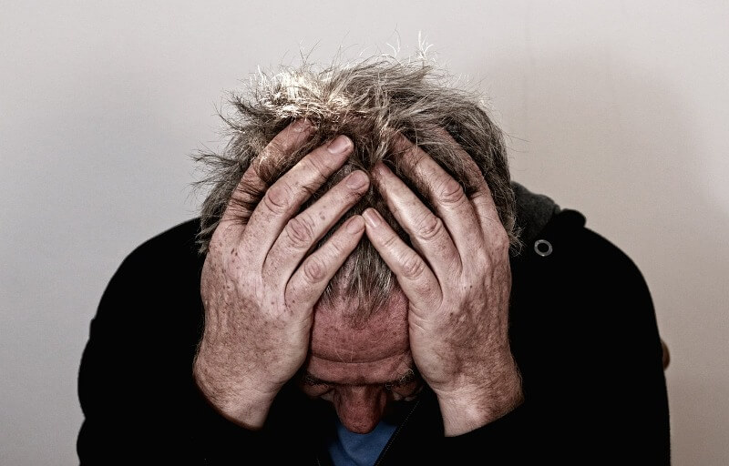 headache stress - Signs that you are over stressed but didn't know