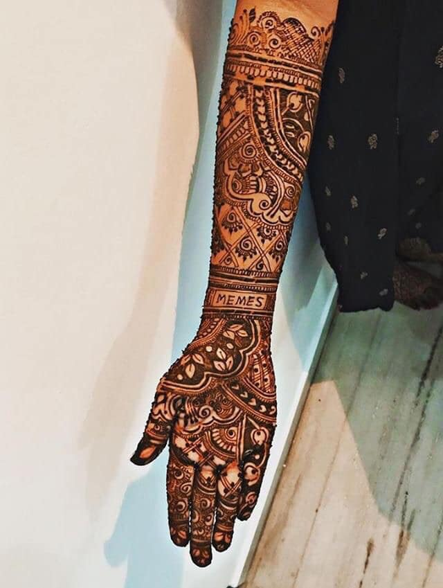 "Instead Of Her To-Be-Husband's Name She Wrote ""Memes"" In Her Wedding Mehndi 2"