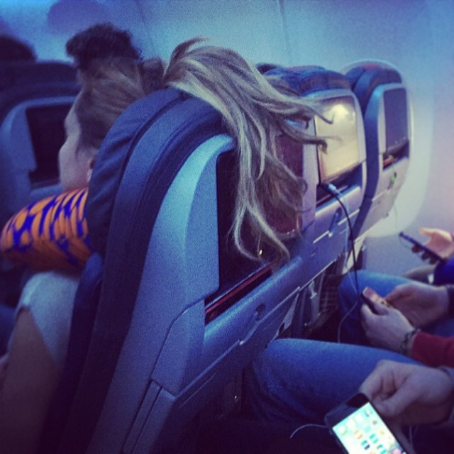 people travelling in aricraft funny pictures 8 - Just see these shocking pictures inside the flight