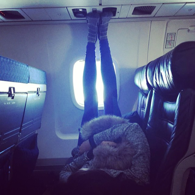 people travelling in aricraft funny pictures 9 - Just see these shocking pictures inside the flight