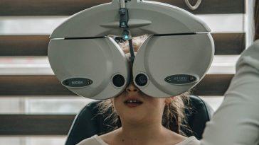 eyes testing phobia