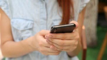3 Ways To Create Healthy Texting Habits In Your Relationship