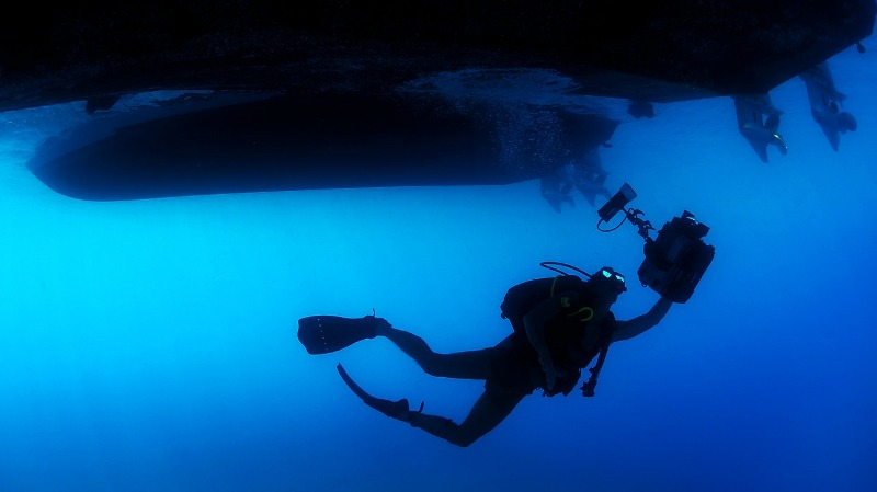 underwater diving - Do you know how deep humans can go underwater