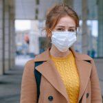 woman wearing mask covid 19